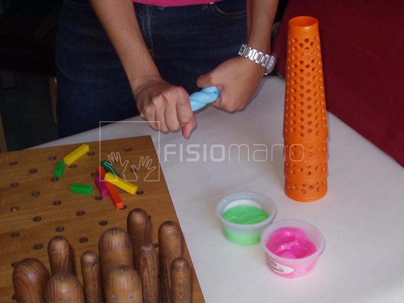 Esercizi specifici per la rieducazione della mano